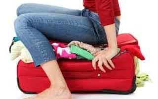 Viaggi: viaggio  vacanze  valigia  guide