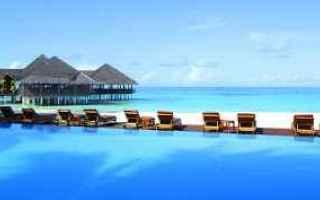 Viaggi: valigia vacanze estate mare