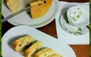 Ricette: ciambellone  colazione  frutta secca