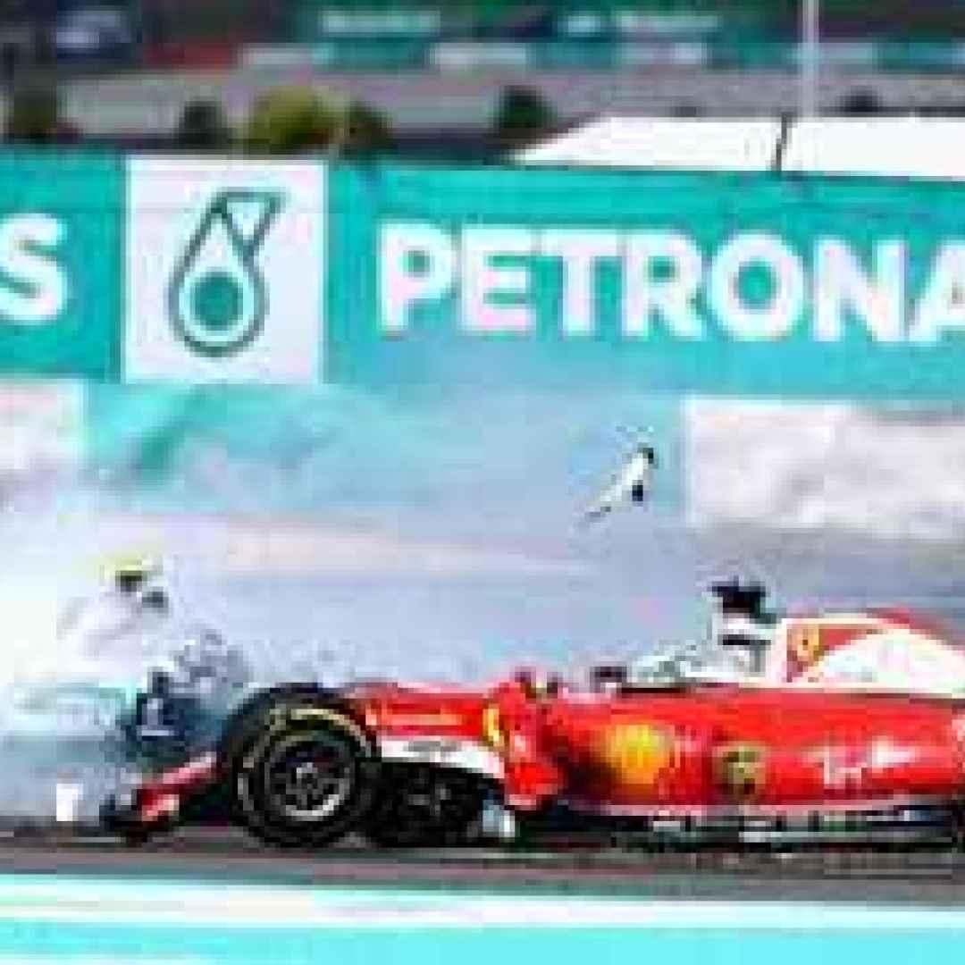 Verstappen - Bull carica sempre la Rossa e se fosse sponsorizzato Mercedes??