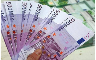 dal Mondo: banconote  wc  banca  svizzera