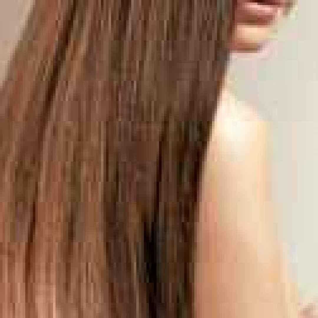 Cinque trucchi per far crescere i vostri capelli