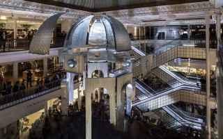Architettura: arte  scultura  installazione  .parigi