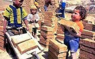 Scuola: scuola  lavoro  alternanza scuola lavoro  sfruttamento minorile  governo renzi