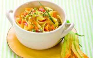 Alimentazione: senza glutine  ricette  tagliatelle  fiori di zucca  zucca