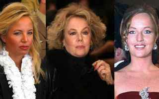 Unex attrice che ha lavorato per Federico Fellini, un ex manager coinvolto nello scandalo Lockheed q