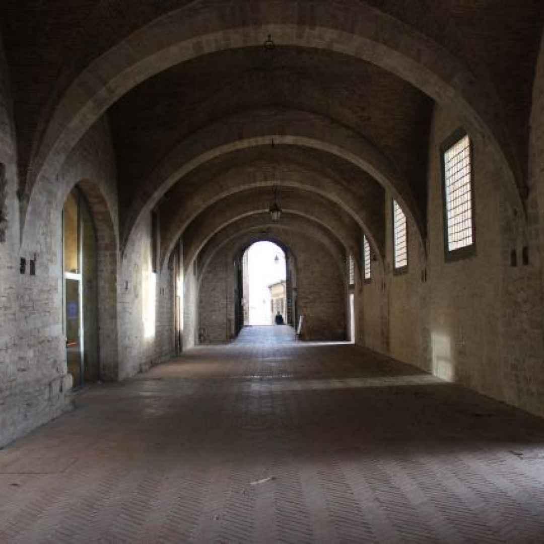 viaggi  palazzo ducale  gubbio  perugia