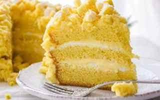 Ricette: Torta di pan di spagna con crema chantilly