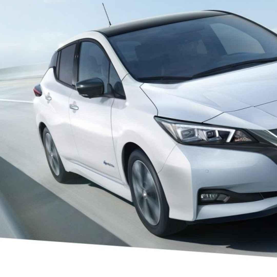 nissan leaf  auto elettrica