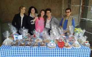 Scuola: natale  scuola festa  vendita  dolci