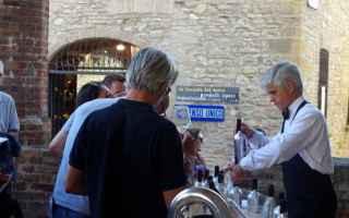 Viaggi: viaggi  borgo  piacenza  vino bianco