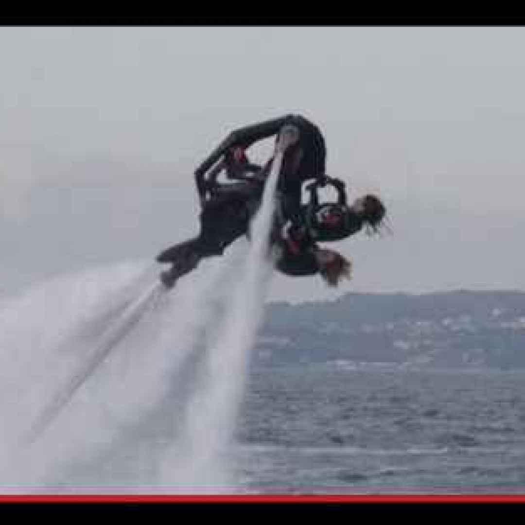 invenzioni  moto  volo  acqua  mare