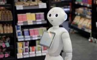 dal Mondo: robot  impiegato  licenziamento