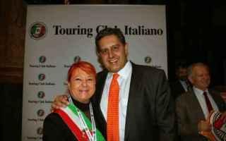 viaggi  borghi  touring club  arancioni