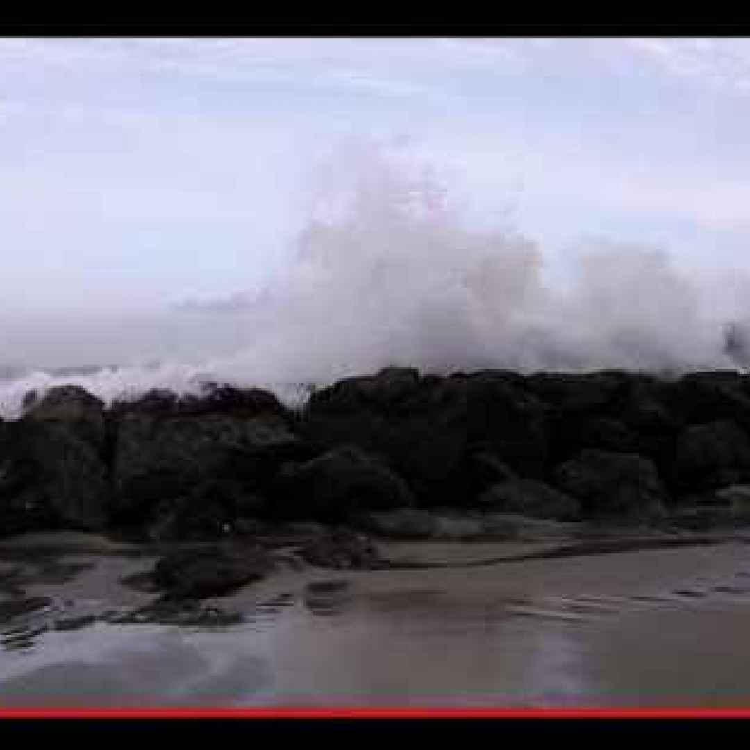 mare  oceano  onde  fenomeni  meteo