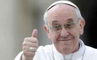 Religione: papa francesco  preti  vaticano