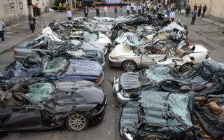 dal Mondo: auto  demolite