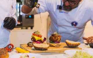 Gastronomia: hamburger  panino  cibo  alimentazione