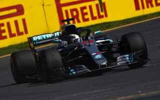 Lewis Hamilton subito in formato martello, primo sia nelle Fp1 che nelle Fp2, inavvicinabile sul pas