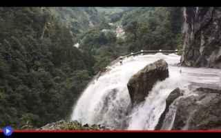 Viaggi: strade  pericolo  montagne  nepal