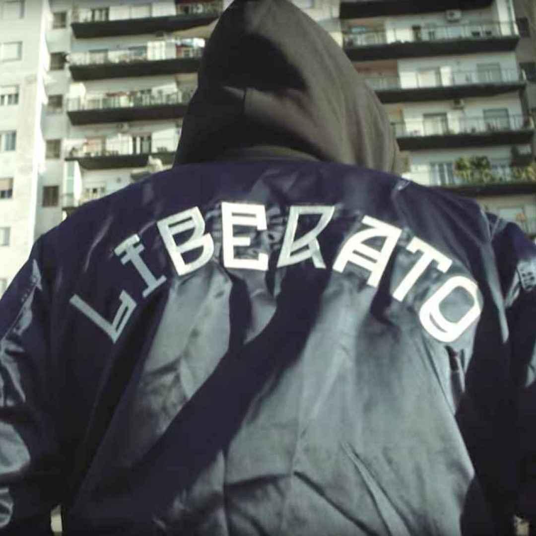 Chi è il misterioso rapper Liberato? Gli indizi che svelerebbero la sua identità
