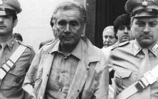 Enzo Tortora fu accusato dal giudice istruttore, il magistrato Giorgio Fontana di gravi reati, ai qu