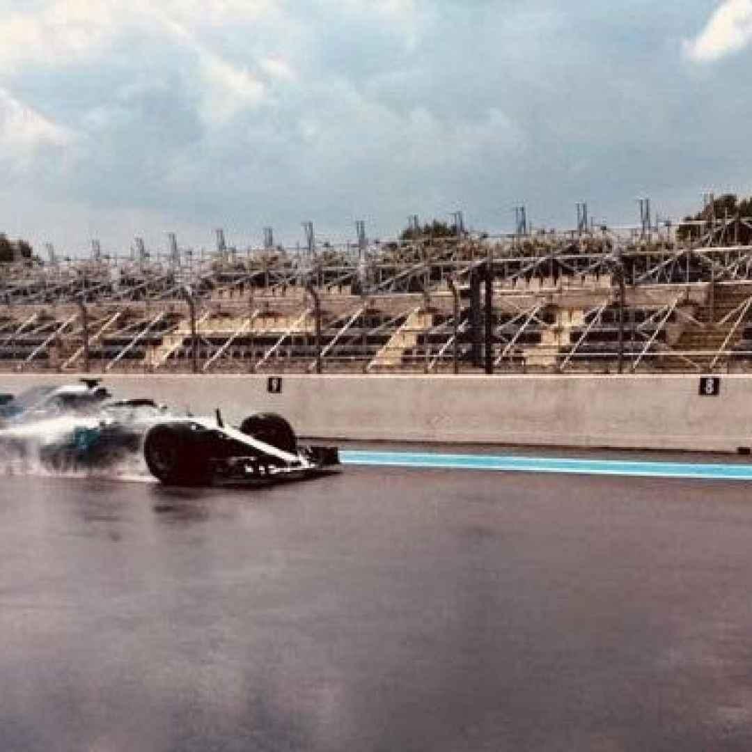 f1  formula1  mercedes  test  pirelli