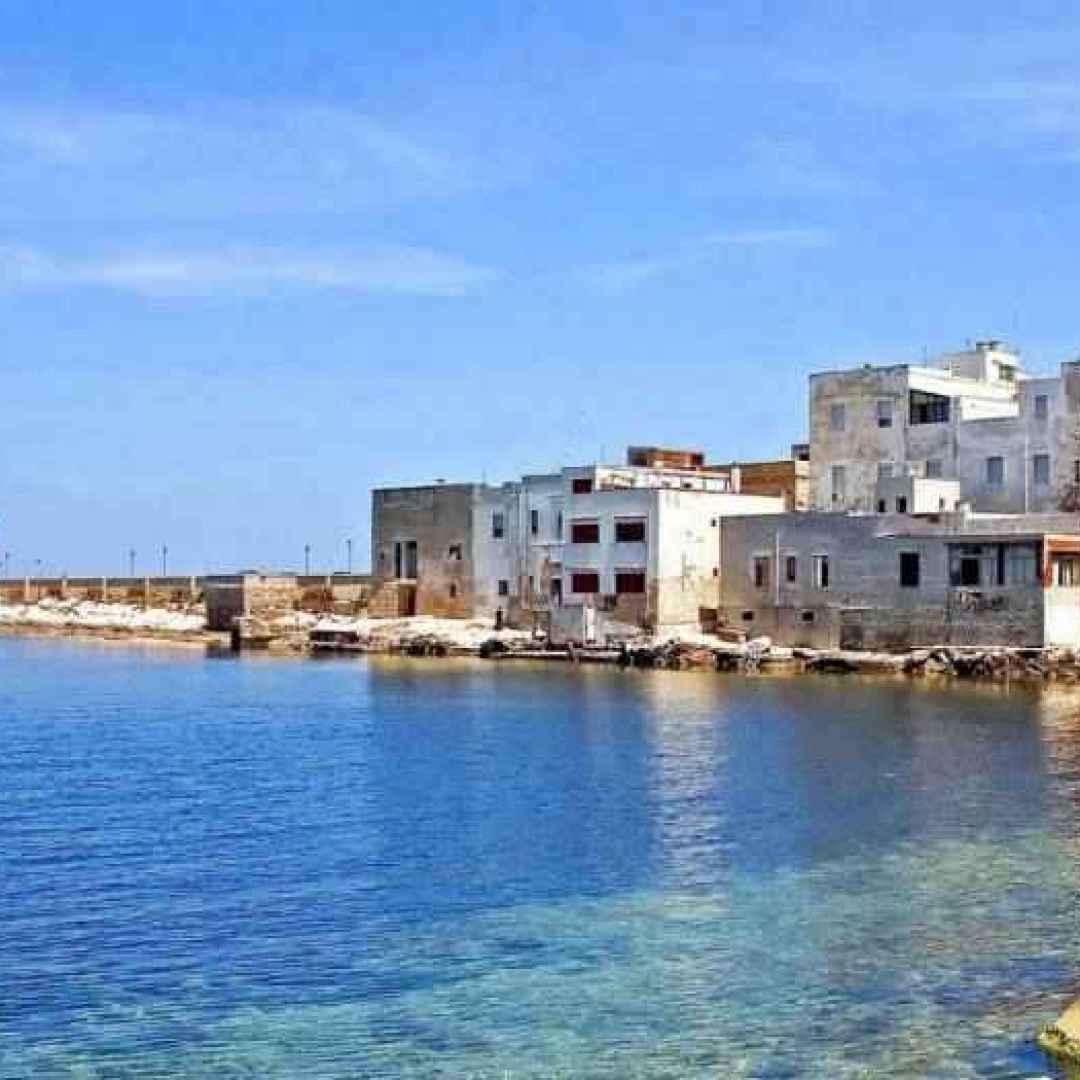 viaggi  borghi  sicilia  traghetto