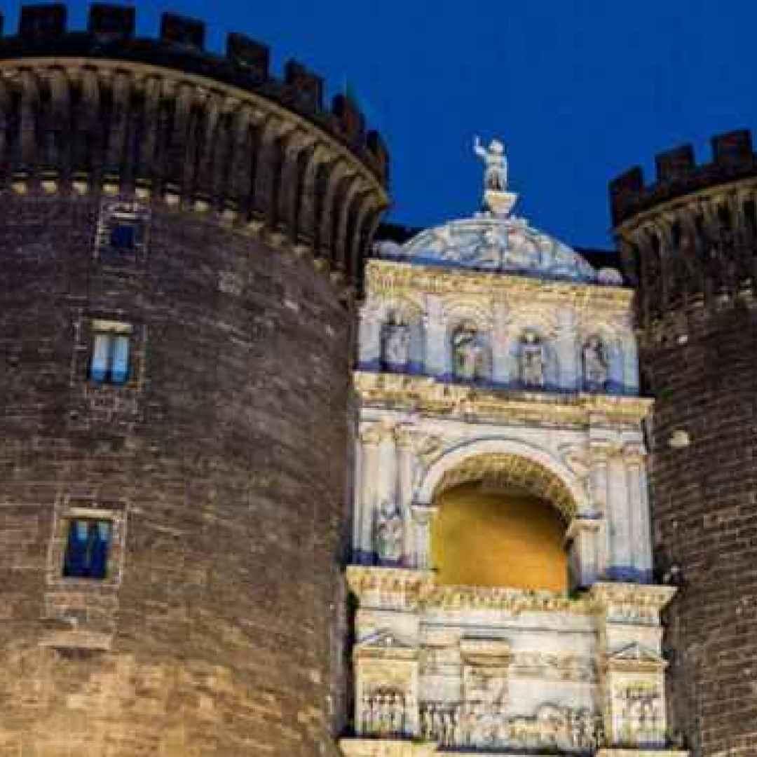 Napoli: il quartiere San Ferdinando, come un antico borgo nel cuore della città antica