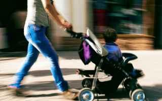 Viaggi: passeggino  mamma  bambini  acquisti