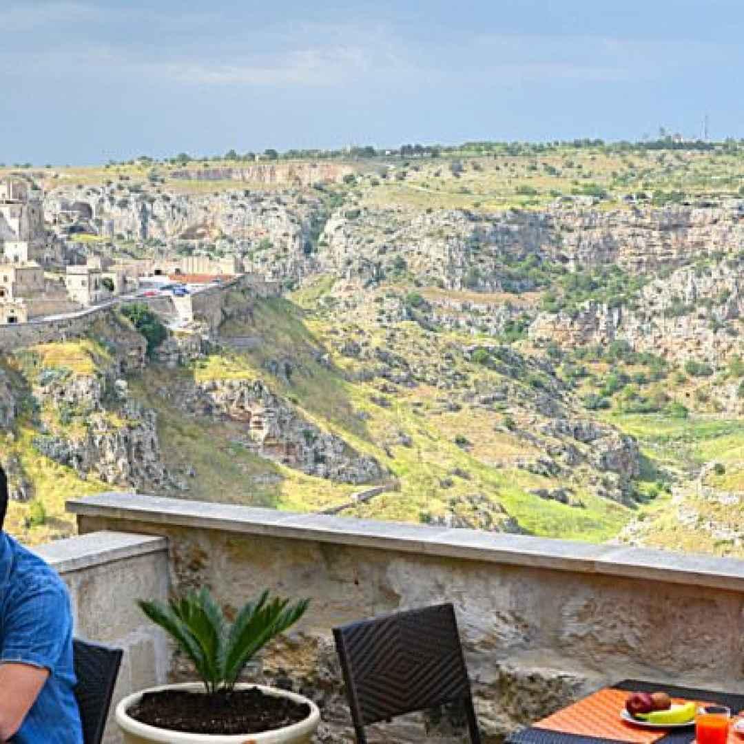 Hotel a Matera con terrazzino panoramico sui Sassi di Matera.