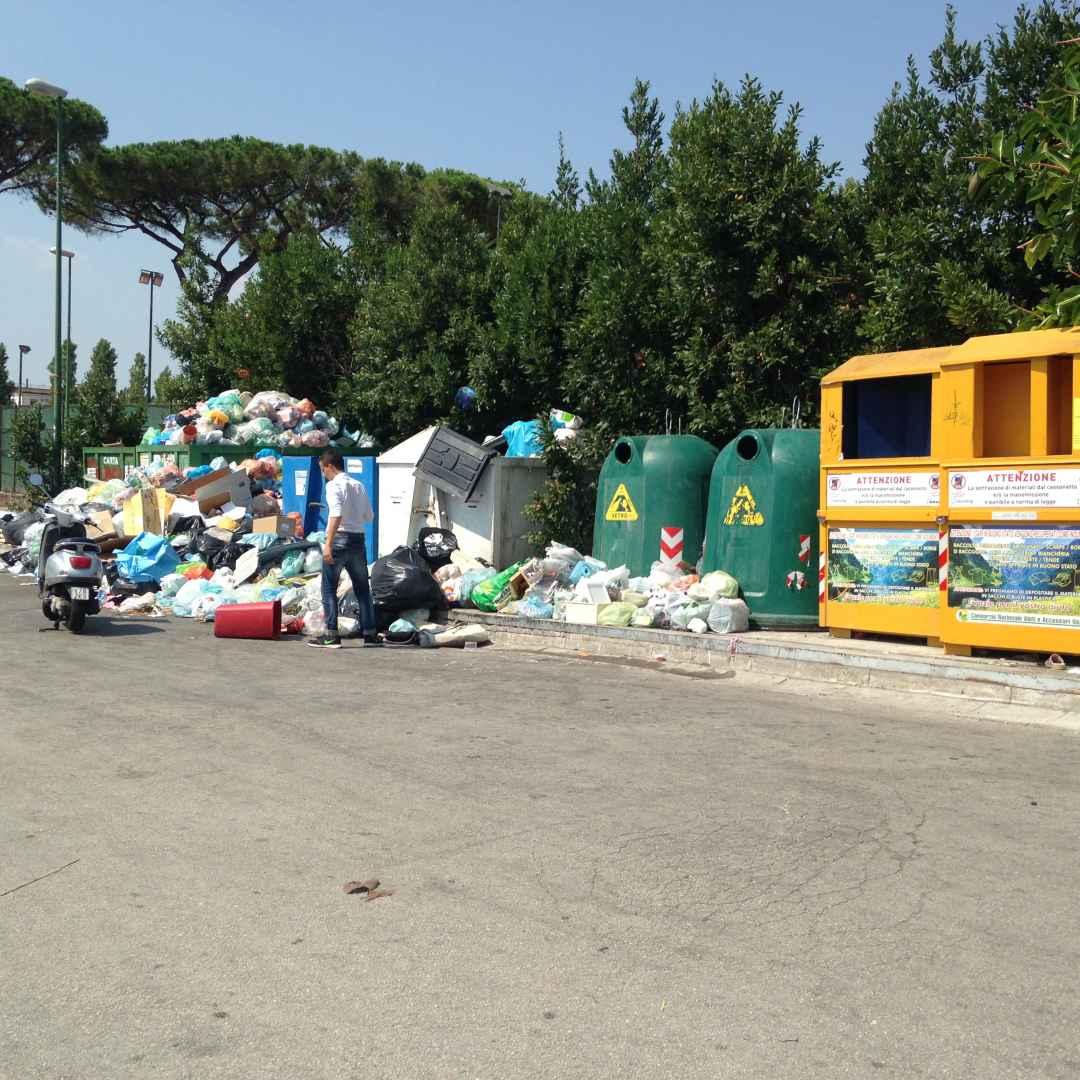 Torre Del Greco: emergenza rifiuti. Un film già visto.