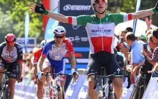 Prima vittoria italiana alla Vuelta 2018, grazie ad Elia Viviani che ha dominando la volata, secondo