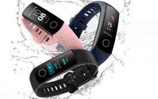 Gadget: smartband  cardiofrequenzimetro  corsa