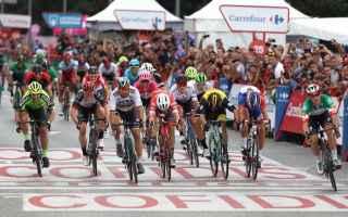 Ciclismo: VOLATA IMPERIALE DI VIVIANI SIMON YATES VINCE LA VUELTA 2018