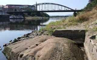 Ambiente: ambiente  pietre  fiumi  germania