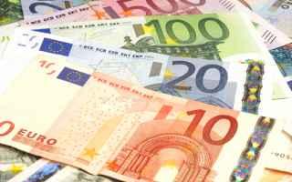 Soldi: euro  unione europea  bollette