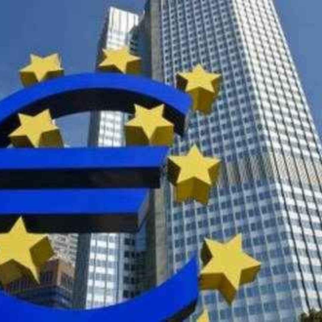 Mercati, clima teso tra Governi e molte banche centrali