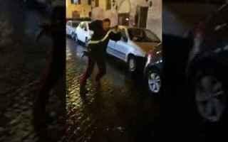 Roma: carabinieri roma spacciatori video
