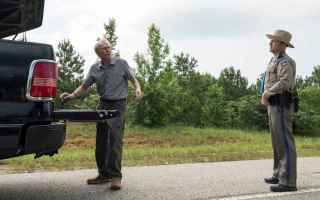Earl Stone è un orticoltore di 90 anni e un veterano della Guerra di Corea che si trova ad affronta