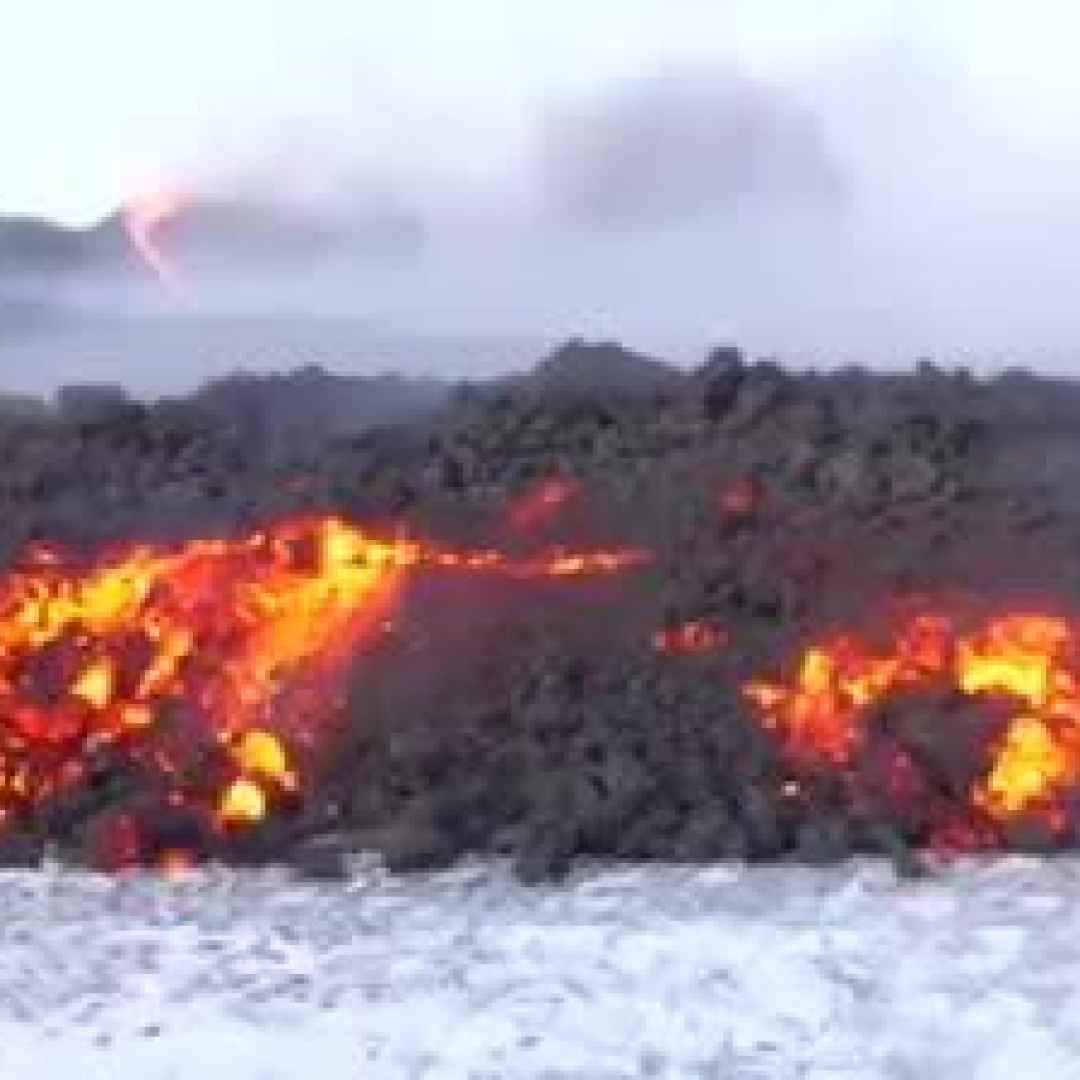 video lava etna neve spettacolo
