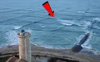 Ambiente: mare onde mistero pericolo video