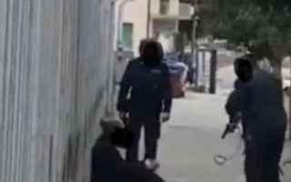 Notizie locali: campobasso video detenuto agenti