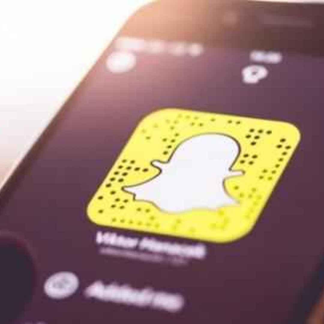 Snapchat: ancora niente utili, ed il direttore finanziario lascia. In arrivo le Storie permanenti?