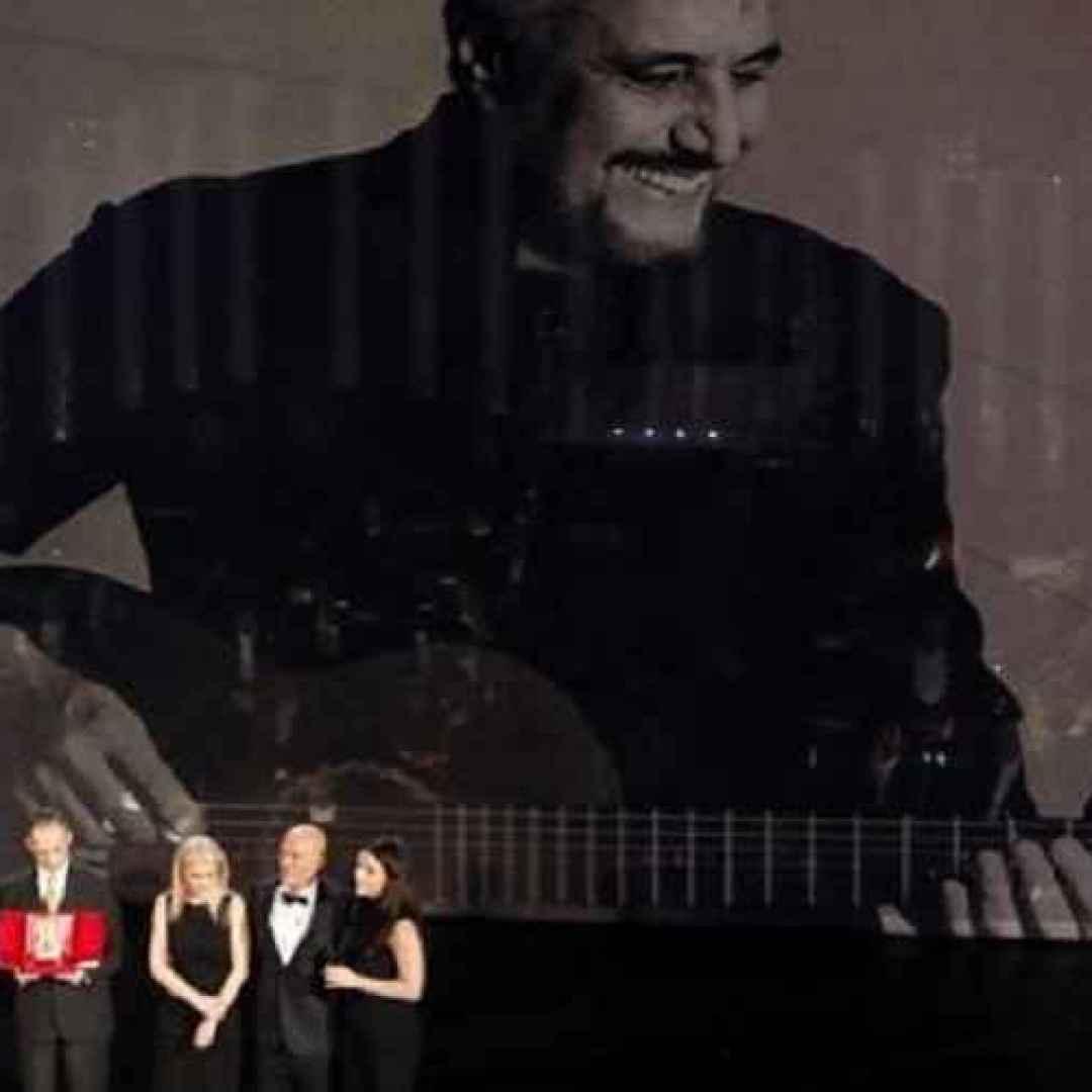 Sanremo, perchè quella a Pino Daniele è stata una offesa più che un omaggio