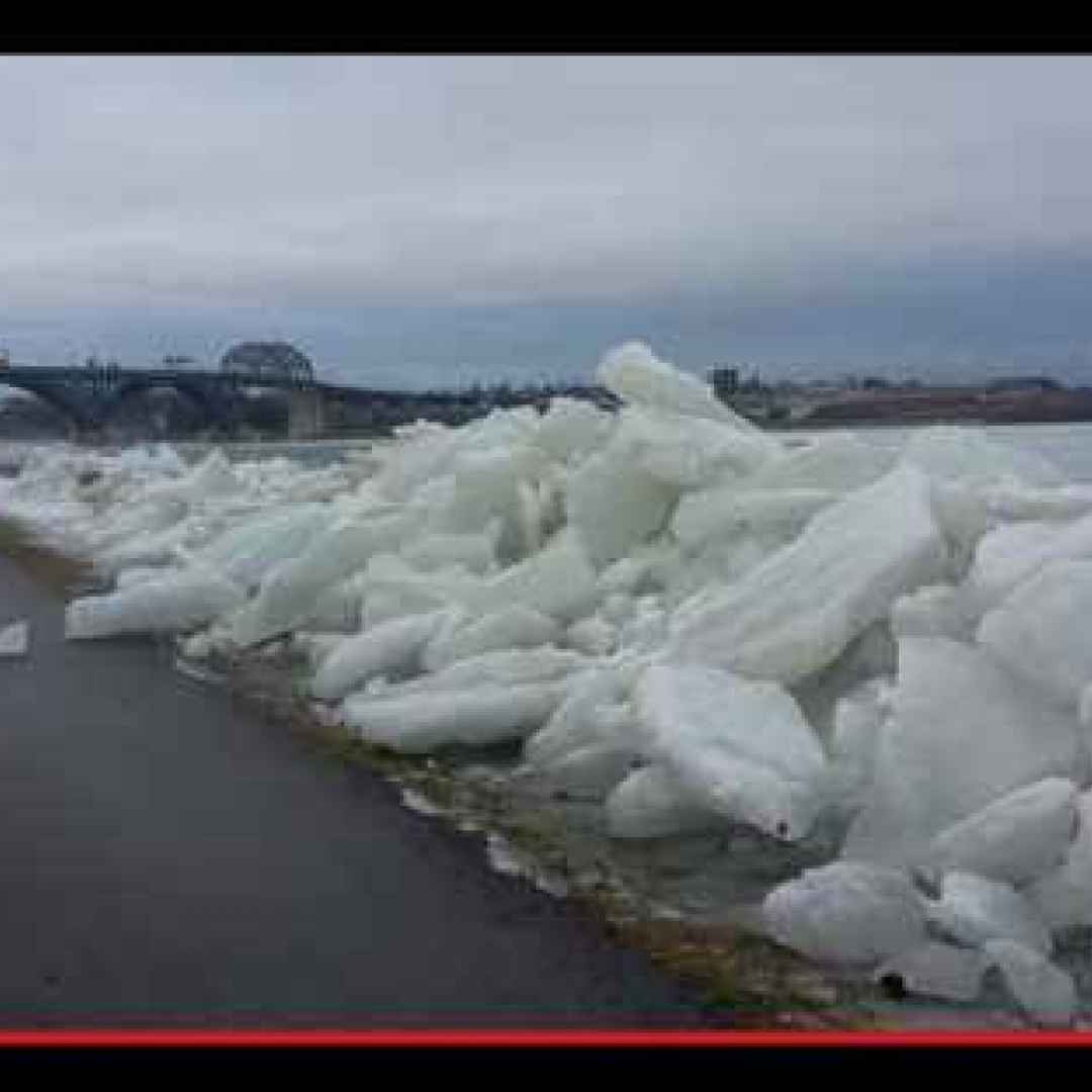 fiumi  ghiaccio  inverno  pericolo