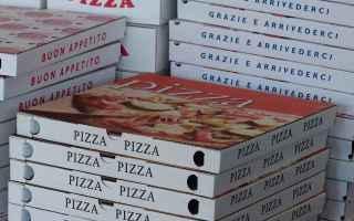 Alimentazione: pizza  cartone per la pizza