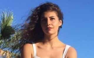 Una tragedia nella tragedia, Deborah Sciacquatori è una ragazza di appena 19 anni e già