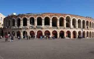 Architettura: arena di verona  musica  ligabue