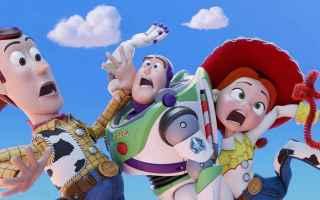 Toy Story 4, il film danimazione Disney Pixar diretto da Josh Cooley, vede Woody (Tom Hanks) e Buzz